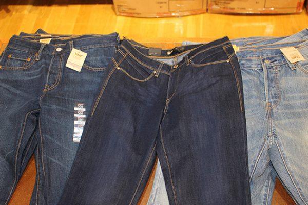 Buy-jeans-in-America