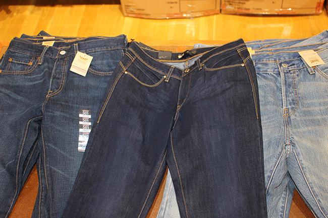 ประโยชน์ 5 ข้อในการเลือกซื้อกางเกงยีนส์ในอเมริกา